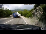 Scary Truck Crash Live Caught In Camra