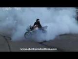 MOTORCYCLE STUNTS CRAZY IN SEATTLE TRICKS CRASH & STUNTING