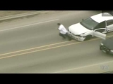 !!DUDE JUMPS OUT OF CAR DURING TEXAS POLICE CHASE!!