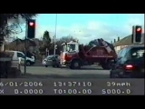 Slough Police chase a stolen car through heavy traffic