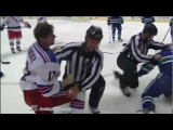 Brandon Dubinsky vs Kevin Bieksa Oct 18, 2011