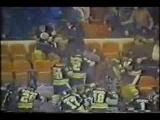 1979 bruins invade MSG stands