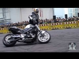 Chris Pfeiffer Stunts Worldchampion Stunt Riding BMW Motorrad Motorcycle