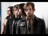 KINGS OF LEON ARE DRUNKS? + Foo Fighters Play Garages