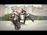 Motorcycle stunts for a girl ! (   )