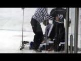 Hockey fight – Park vs Cowden.MOV